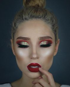 @lupescuevas wearing Cover Shot Bold Palette and Ablaze Palette #CoverShotPalette