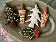アイシングクッキー クリスマスバージョン : grue*press Christmas Tree Cookies, Holiday Cookies, Cute Cookies, Cupcake Cookies, Christmas Heaven, Christmas Goodies, Cookie Decorating, Cake Pops, Holiday Recipes
