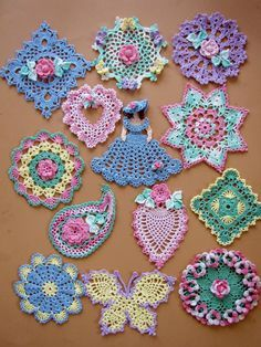 13 miniature doilies to crochet! This unique set of mini doilies gives vintage-look crochet a trendy boho-chic twist, all in delightful miniature scale. You will find pineapples, butterflies, Irish roses, a charming little Crinoline Lady and an ele. Cotton Crochet, Thread Crochet, Crochet Crafts, Crochet Stitches, Crochet Hooks, Crochet Projects, Knit Crochet, Crochet Paisley, Irish Crochet