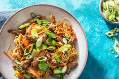 This classic stir-fry is made easy with the addition of the popular Chow Mein noodles. Our quick cooking method of the noodles ensures both a tasty and speedy result! Entree Recipes, Asian Recipes, Beef Recipes, Dinner Recipes, Healthy Recipes, Ethnic Recipes, Chinese Recipes, Healthy Foods, Ginger Beef