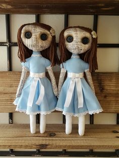 Handmade Dolls The Grady Twins- by MoodyVoodies on Etsy Zombie Dolls, Scary Dolls, Voodoo Dolls, Halloween Doll, Halloween Crafts, Halloween Decorations, Softies, Plushies, Haunted Dolls