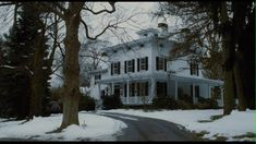 Oh... this should BE my house. The Family Stone house... which makes the movie worth watching.