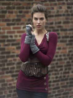 Image of Outland Wristers Knitting Patterns Free, Knit Patterns, Free Knitting, Free Pattern, Diy Scarf, Scarf Wrap, Outlander Knitting, Learn How To Knit, Wrist Warmers