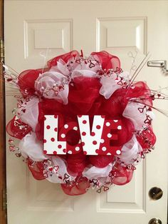 Valentines deco mesh wreath | Wreaths | Pinterest | Deco mesh, Mesh and Valentine wreath