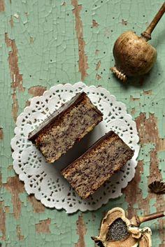 Dolcela Mak kocke Kolaci I Torte, Baked Oatmeal, Cake Cookies, Cake Recipes, Sweets, Bread, Baking, Serbian, Desserts