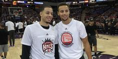 Both Great Basketballers - The Curry Brothers Stephen Curry Family, The Curry Family, Nba Players, Basketball Players, Sports Teams, Stefan Curry, Steph Curry Wallpapers, Seth Curry, Wardell Stephen Curry