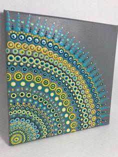 Pintura original Mandala sobre lienzo, Dotilismo, pintura de puntos, arte aborigen, arte de la meditación de henna, curación/calmante, pintura acrílica pintada a mano sobre lienzo, rociada varias veces con sellador de alto brillo para proteger la pintura y el envejecimiento.  Los colores son: