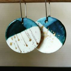 Two tone porcelain earrings The Effective Pictures We Offer You About jewelry ideas diy projects A q Porcelain Jewelry, Ceramic Jewelry, Enamel Jewelry, Ceramic Beads, Resin Jewelry, Jewelry Crafts, Jewelry Art, Porcelain Doll, Porcelain Vase