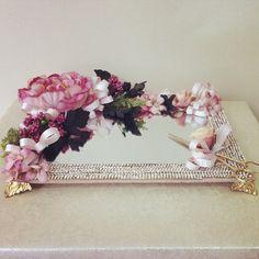Çiçek dekorasyonlu ve ayaklı söz ve nişan tepsisi ürünü, özellikleri ve en uygun fiyatların11.com'da! Çiçek dekorasyonlu ve ayaklı söz ve nişan tepsisi, organizasyon kategorisinde! 29635421