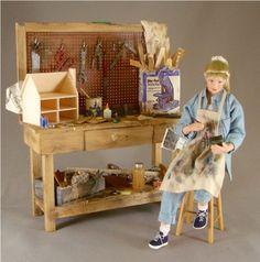 Beautiful handmade miniature porcelain dolls by Connie Sauve, The China Doll, IGMA Fellow. Miniature Rooms, Miniature Crafts, Miniature Furniture, Dollhouse Dolls, Dollhouse Miniatures, Mini Doll House, Doll Display, China Dolls, Space Crafts