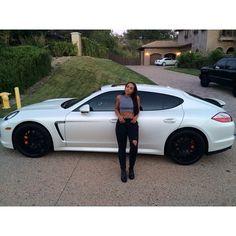 Des jolies filles et des Porsche - Page 333 - PHOTOS - Boxster Cayman 911 (Porsche) Coke, Heather Sanders, Porsche Models, Porsche Club, Porsche Panamera, Le Jolie, Courses, Hot Cars, Custom Cars
