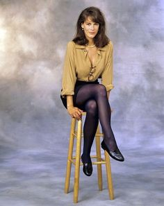 Watch Picture, Photos and Video of Jamie Lee Curtis's Legs and Feet on GirlsWithLegs - The Internets Best Ever Database Collection of Female Celebrity Legs and Feet. Complete With Nylon Stockings, Pantyhose and High Heels. Tony Curtis, Jamie Lee Curtis Young, Janet Leigh, Sigourney Weaver, Star Wars, Prom Night, Celebs, Celebrities, American Actress