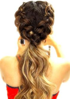 The beautiful dutch braid hairstyles are in trends since last few years. Just because of its stunning styles fashionable ladies always like to wear it. See here, we have made a collection of amazing double dutch braids with low ponytail hairstyles for every woman to sport in year 2018. So, if you are looking for latest trends of braids then look no further rather than double dutch braids nowadays. This is one of the hairstyles which is always in trends no matter how many changes are there in…