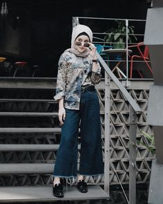 70 Ideas For Fashion Style Types Casual fashion 770115605010999094 Hijab Casual, Ootd Hijab, Hijab Chic, Casual Jeans, Modern Hijab Fashion, Street Hijab Fashion, Hijab Fashion Inspiration, Muslim Fashion, Fashion Pants
