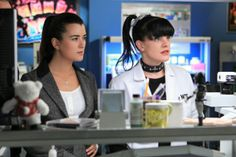 """Lab Work in """"Seek"""" Episode 18 of Season 10  The wife of a Marine who specialized in K-9 bomb detection urges the NCIS team to investigate the recent death of her husband in Afghanistan, on NCIS, Tuesday, March 19 (8:00-9:00 PM, ET/PT) on the CBS Television Network. Pictured: Cote de Pablo (left) and Pauley Perrette Photo: Sonja Flemming/CBS ©2013 CBS Broadcasting, Inc. All Rights Reserved."""