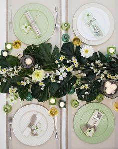 Floral Leaf Napkin Holder Hotel Restaurant QUALTY Ivory Metal Made in The Netherlands