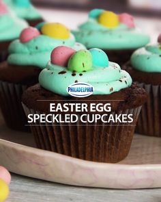 Chocolate Speckled Easter Egg Cupcakes You gotta taste this! Try our NEW PHILADELPHIA Cream Cheese Whipped Frosting on these Chocolate Speckled Easter Egg this Easter. Mini Cakes, Cupcake Cakes, Cupcake Recipes, Dessert Recipes, Whipped Frosting, Salty Cake, Easter Cupcakes, Easter Treats, Savoury Cake