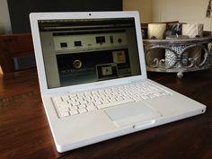 I ❤ my white Macbook!