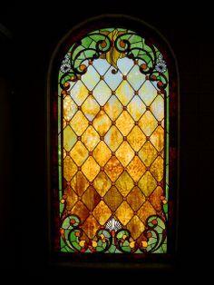 Tiffany Glass window at Winchester Mystery House Stained Glass Door, Stained Glass Designs, Stained Glass Panels, Stained Glass Projects, Stained Glass Patterns, Leaded Glass, Beveled Glass, Mosaic Glass, Tiffany Glass