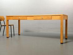 Ferdinand Kramer für die Goethe Universität, Schreibtisch mit 2 Schubladen. www.frankfurt-minimal.de