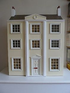 Dollshouse Emporium Classical Dollshouse With Furniture
