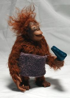 I'm pretty confident this is not a real orangutan but a toy but its so cute Cute Funny Animals, Funny Animal Pictures, Cute Baby Animals, Funny Cute, Cute Pictures, Funny Monkeys, Hilarious, Smiling Animals, Amazing Pictures