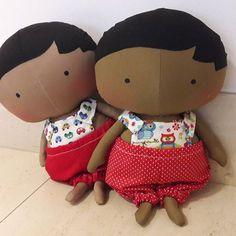❤❤ #abraceumasorella #correntedobem #boneco #bonecodepano #naninha #bombom #maternidade #boaação #solidariedade #mundomelhor #tilda #tildatoy #vermelho #red #fofuras #fofo #naoseilidar #comonaoamar #doll #dollsinstagram #instadolls #aosmontes #sorella #abraços #afeto #artesanal #handmade #roteirobaby