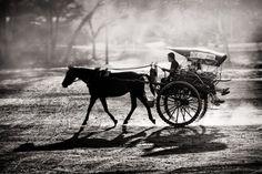 Dusty Horse Ride by Tom Baetsen - xlix.nl