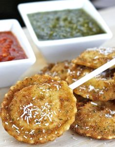 St. Louis Toasted Ravioli Lollipops with Pesto and Marinara Dipping Sauce  | The Hopeless Housewife