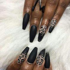 👑👑💋💋💪💪 #Fashionista #NailPorn #NailArt #Dope