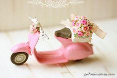 Miniatur Vespa Blumen für die Lieferung von miniaturepatisserie