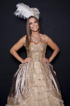 Ivete Sangalo é uma rainha no Baile da Vogue;