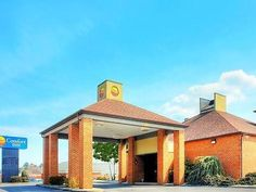 Abingdon (VA) Comfort Inn United States, North America Comfort Inn is a popular choice amongst travelers in Abingdon (VA), whether exploring or just passing through. The hotel offers a wide range of amenities and perks to ensure you have a great time. All the necessary facilities, including Wi-Fi in public areas, car park, are at hand. Guestrooms are fitted with all the amenities you need for a good night's sleep. In some of the rooms, guests can find air conditioning, heating...