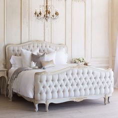 Reminiscent of Old World glamour, the corbeille-style Sophia bed exudes European sophistication. In a striking two-tone gold finish, the elegant bed features a tufted fog linen upholstery. Available in king and queen sizes. Sofa Bed Mattress, Sofa Bed Size, Tufted Bed, Master Suite, Master Bedrooms, Home Interior, Interior Design, Design Design, French Bed