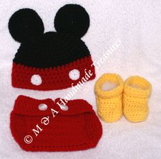 Mickey Mouse Inspired Hat and Nappy/Diaper cover  With Boots  Size: approx ~ 0 - 3 months  £25.00