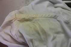 Megsárgultak a fehér ruháid? Az alábbi módszer segítségével könnyen patyolattiszták lehetnek újra! - Tudasfaja.com