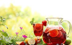 En un día soleado nada mejor que un refrescante ponche de frutas!