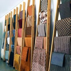 Donate now your old furniture - A Non-Profit Thrift Store Scarf Display, Quilt Display, Fabric Display, Sewing Room Design, Sewing Room Storage, Sewing Rooms, Fabric Storage, Boutique Decor, Boutique Interior
