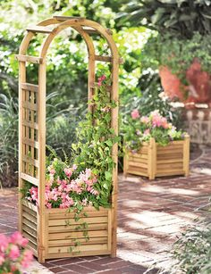 Louvered Wooden Planter With Trellis
