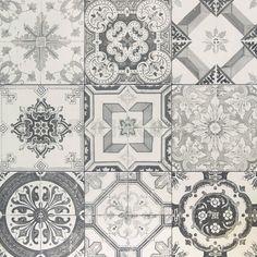 Home Decoration Inspiration Tiles, Cottage Bathroom, Tile Patterns, Retro Interior, Mosaic, Interior Tiles, Black Interior Doors, Home Deco, Tile Inspiration
