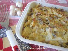 Ad un buon piatto di Pasta al forno non si riesce a resistere soprattutto se semplice e squisita come questa Pasta al Forno con Funghi e mozzarella filante
