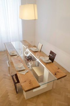 Not only making a dining room looks modern, but a glass dining table can also make the room looks elegant. These modern glass dining table design are great! Dinning Table Design, Wood Table Design, Dining Table Lighting, Dining Room Table Decor, Wooden Dining Tables, Glass Dining Table, Glass Tables, Timber Table, Dining Chair