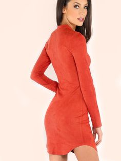 You will get many eyes with The Mock Neck Curved Hems Bodycon Dress!Featuring a classive mock necline, long-sleeved and curved hems detail.Top with a pair of transparent heels for a feminite and chic ensemble! #retro #suede #MakeMeChic #MMCstyle #ootd #MMC #style #fashion #newarrivals #summer16