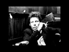 Tom Waits (namadrugada) - I hope i don't fall in love with you - YouTube