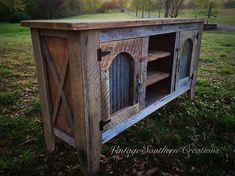 Reclaimed barn wood entertainment console by Vintage Southern Creations Italian Bedroom Furniture, Rustic Furniture, Diy Furniture, Furniture Stores, Luxury Furniture, Barn Wood Crafts, Barn Wood Projects, Home Decor Catalogs, Home Decor Store