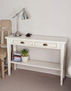 Sivupöytä 110x35 cm ja Jugend-tuoli. juvi.fi #sivupöytä #konsolipöytä #juviproduction #juvi #maalaisromanttinen #skandinaavinen #valkoinen #sisustus