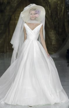 Pronovias Fashion Show 2014 Bridal Collections   First Love.