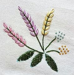 вышивка Embroidery Flowers Pattern, Embroidery Bags, Beaded Embroidery, Flower Patterns, Embroidery Stitches, Embroidery Designs, Hand Embroidery Projects, Embroidered Cushions, Brazilian Embroidery