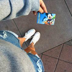 Disneyland Photos 2019 - only Disney fans know the feeling you get holding this card Disneyland Photography, Disneyland Photos, Disneyland Trip, Disney Vacations, Disney Trips, Disney Travel, Walt Disney, Cute Disney, Disney Magic