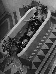 "Glynis Johns,Miranda 1948 Actress Glynis Johns dressed as a mermaid, cleans her nails in the bath, in a scene from the film ""Miranda"". Siren Mermaid, Sea Siren, Mermaid Cove, Mermaid Art, Mermaid Tails, Sirens, Glynis Johns, Celine, Vintage Mermaid"
